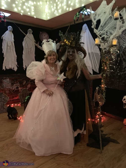 Making friends at Boomers Rock Party, Good Witch Glenda Costume