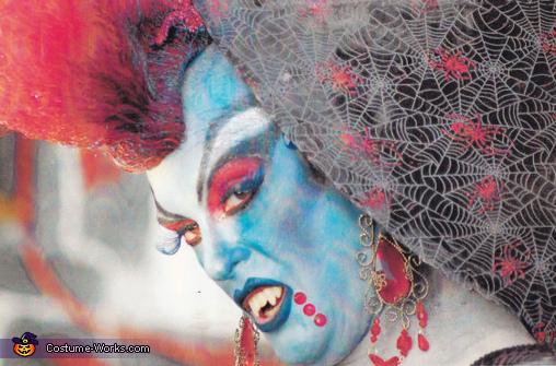 SHEBEAST VAMPIRE 2 , Goth Vampire Costume