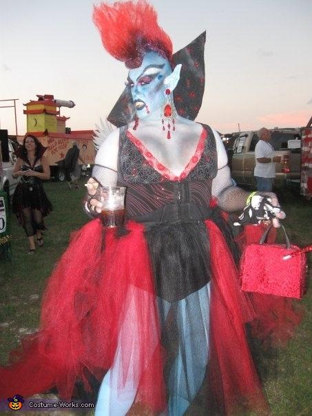 SHEBEAST VAMPIRE 3 , Goth Vampire Costume