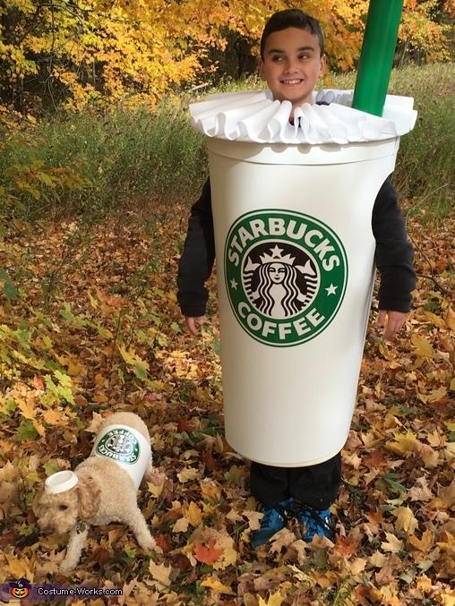 Medium shot Grande Frappuccino and Short Puppuccino, Grande Frappuccino and Short Puppuccino Costume