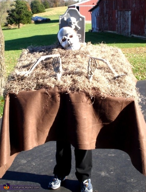 Walking Graveyard   Costume