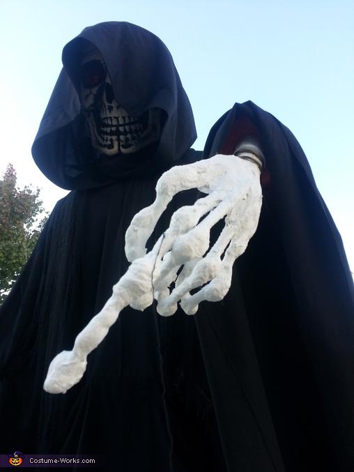 Artsy Shot, Grim Reaper Costume