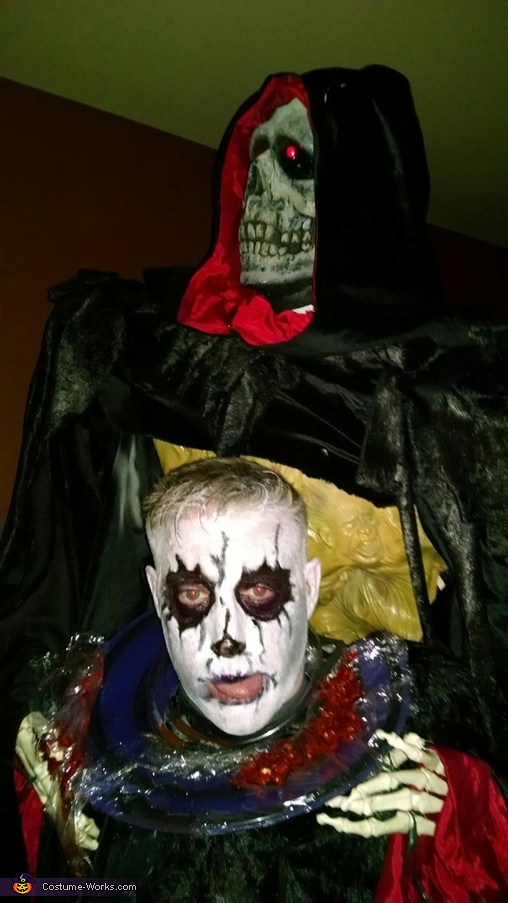 Grim Reaper with head on a plate Costume
