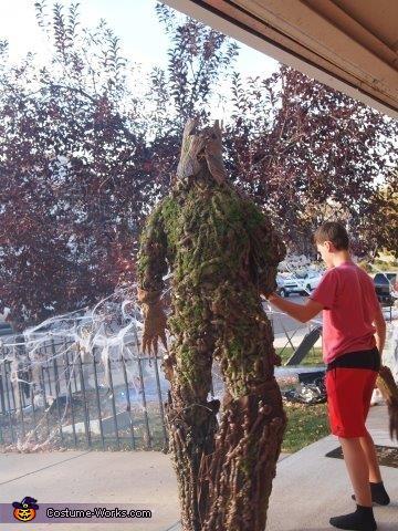 Groot's back, Groot Costume