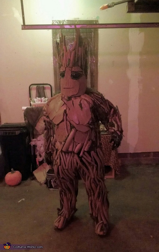 Groot Front, Groot Costume