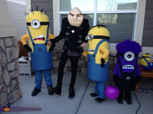 Minion Madness!, Gru and Crew Despicable Me 2 Family Costume
