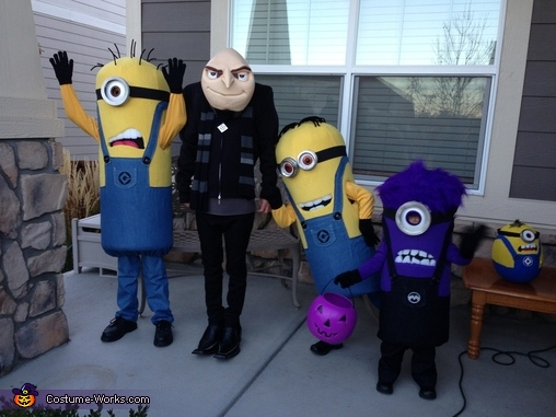 Minion Mayhem!, Gru and Crew Despicable Me 2 Family Costume
