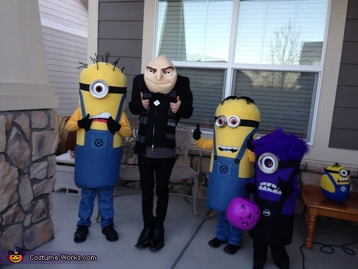 Minions Gone Mad!, Gru and Crew Despicable Me 2 Family Costume