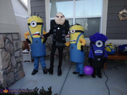 Minion Fun!, Gru and Crew Despicable Me 2 Family Costume