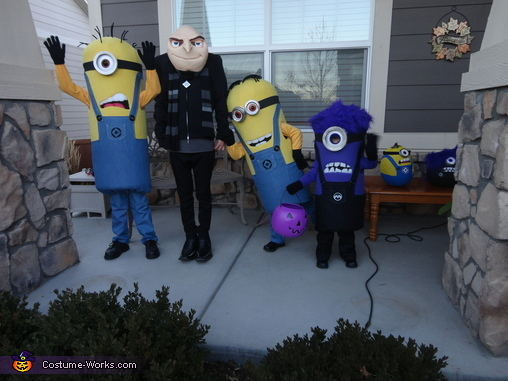 More Minion Fun!, Gru and Crew Despicable Me 2 Family Costume