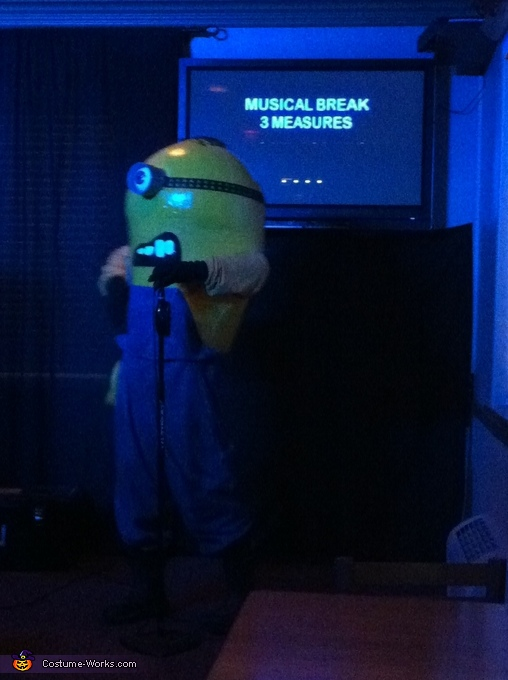 Singing Karaoke, Gru's Minion Costume