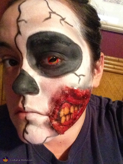 Red contact, Half Face Costume