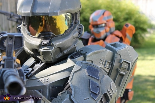 Upclose of Master Chief, Halo 4 Master Chief Costume