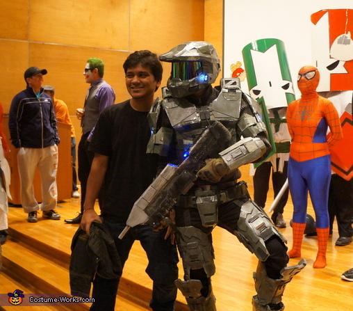 Testing Flexibility , Halo: Masterchief Costume