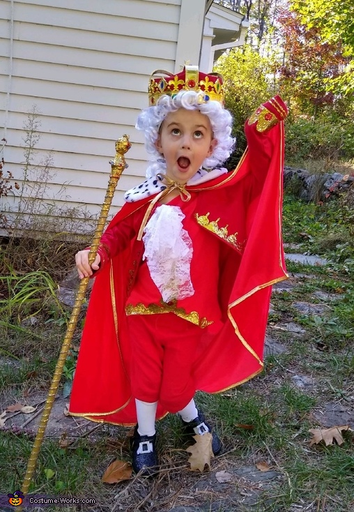 Emmie as King George III, Hamilton Costume