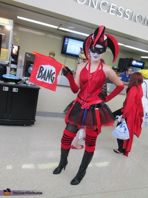 oooh I must find another version of myself, Harley Quinn Costume