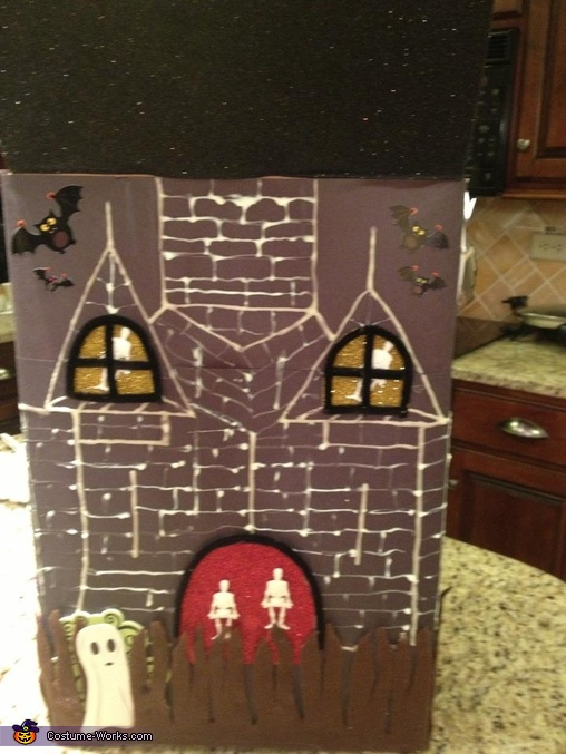 Sarah Haunted House BACK PANEL, Haunted House Costume
