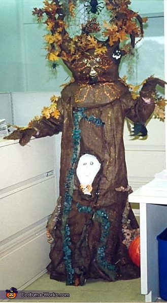 Haunted Tree - Homemade costumes for adults