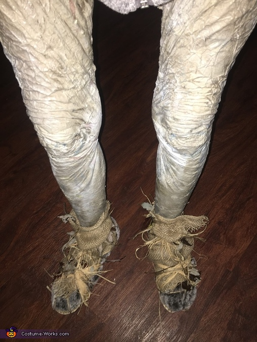 Legs that are out of this world, Hauntingly Memorable Alien Costume