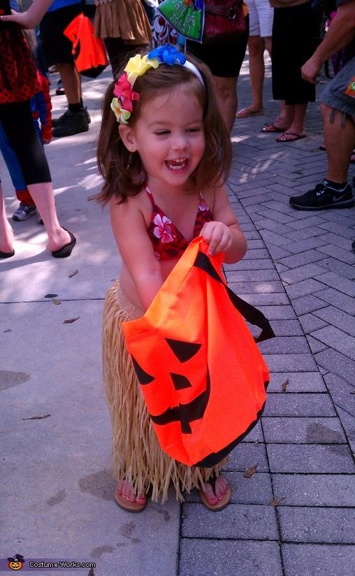 loving life in her hula costume!, Hawaiin Hula Girl Costume