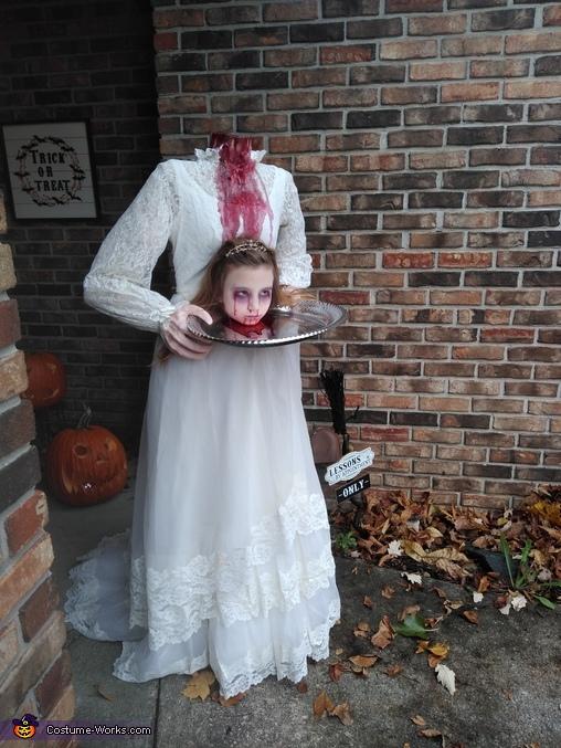 Unbridled enthusiasm, Headless Bride Costume