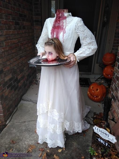 Here comes the bride, Headless Bride Costume