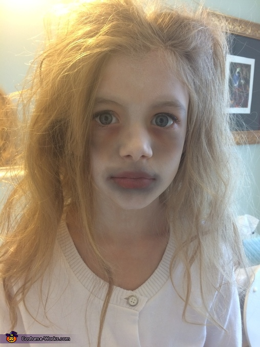 Sister did her make-up, Headless Child Costume