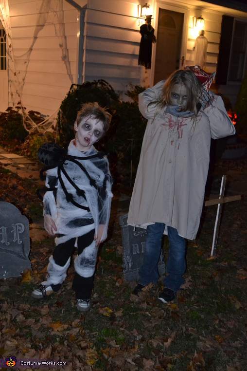Hannah and Owen 1, Headless Girl Costume