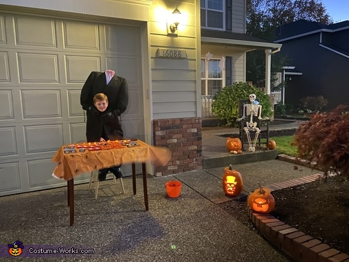 This is how we have out candy in 2020..., Headless Man Costume