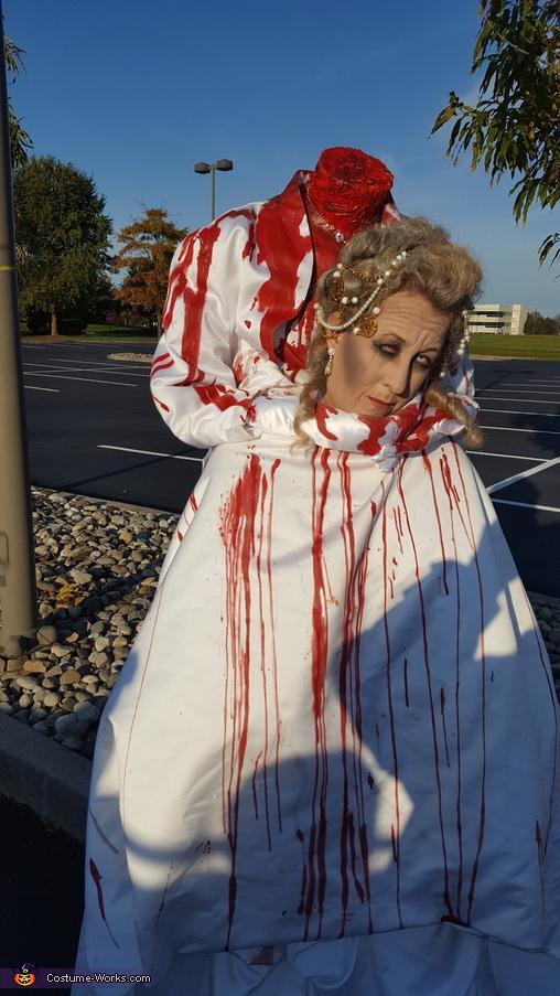 Headless Marie Antoinette, Headless Marie Antoinette Costume