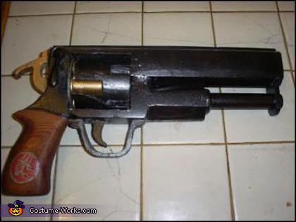 Hellboy's Gun, Hellboy Costume