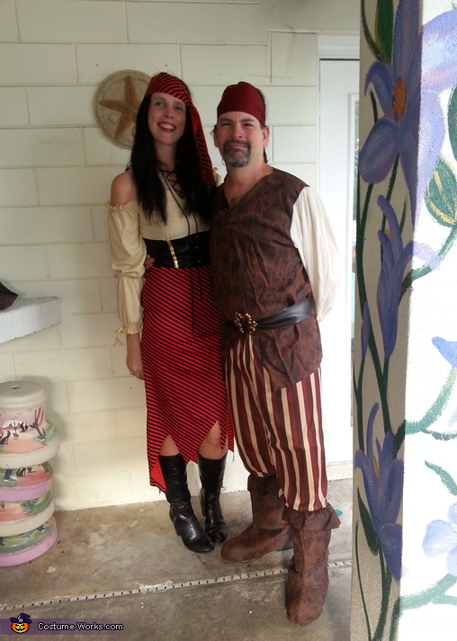 high seas pirate & bucaneer, High Seas Pirate & her Buccaneer Couples Costume