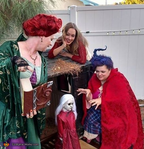 Witches on the prowl for children, Hocus Pocus Costume