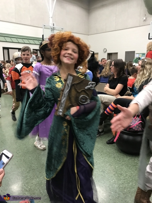 Winifred and Beloved Book, Hocus Pocus Family Costume