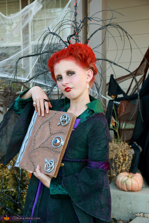 Winifred and Book of Spells, Hocus Pocus Sanderson Sisters Costume