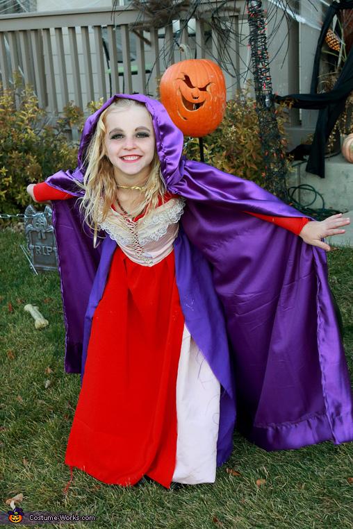 Sarah, Hocus Pocus Sanderson Sisters Costume