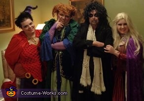 The Sistahs and Billy in our classic poses, Hocus Pocus Sanderson Sisters and Billy Butcherson Costume