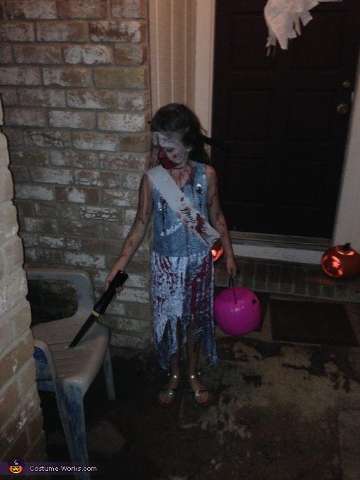 She's at your house, better be careful!, Homecoming Horror Costume