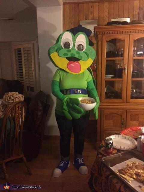 """'Dig 'Em Frog', Honey Smacks """"Dig 'Em Frog"""" Costume"""