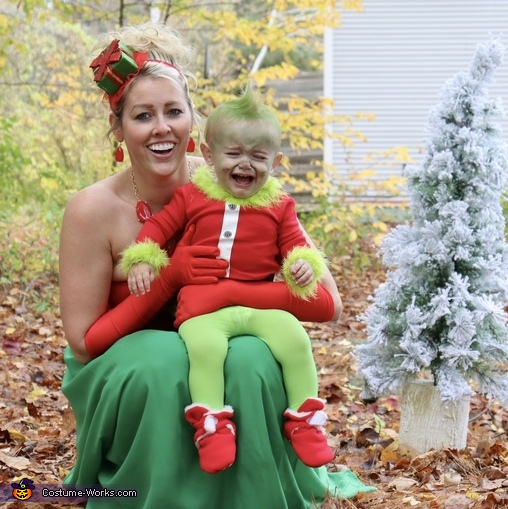 The grinch is ready for a snooze, How the Grinch Stole Christmas Costume