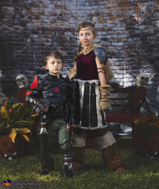 Hiccup and Astrid, How To Train Your Dragon Family Costume