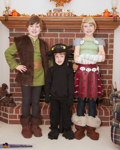 Hiccup, Astrid, and Toothless from How to Train Your Dragon, How to Train Your Dragon: Hiccup, Astrid, and Toothless Group Costume