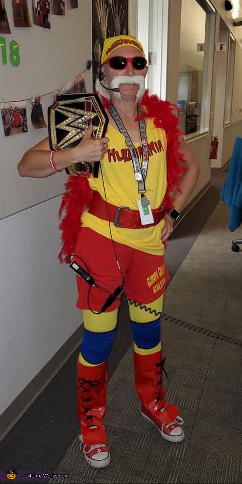 Even Hulk Hogan has to have a day job..., Hulk Hogan Costume