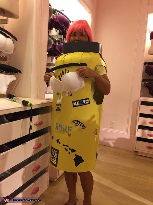 Hydro is checking bra at Victoria secret, Hydro Flask 40oz Costume