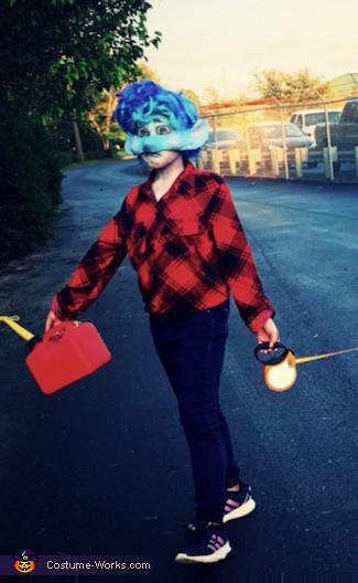Ian walking to get gas, Ian Lightfoot Costume
