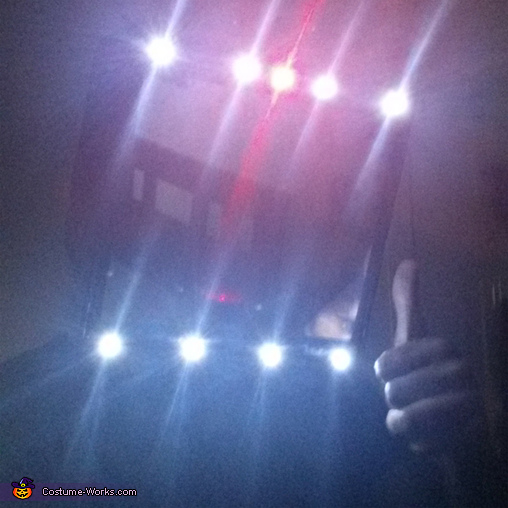 Selfie!!, Illuminati Costume