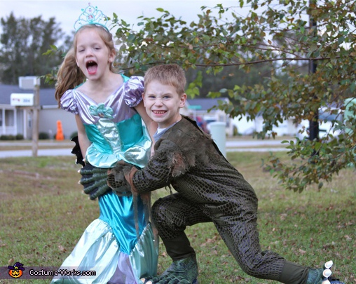 Swamp Monster catches a Mermaid! Costume