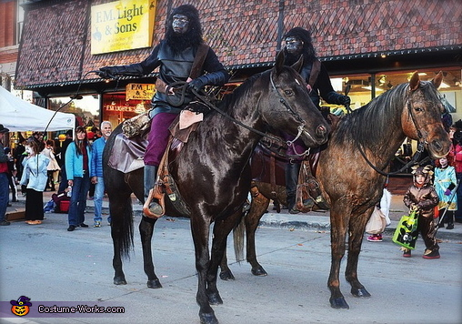 Invasion of Planet of the Apes Costume