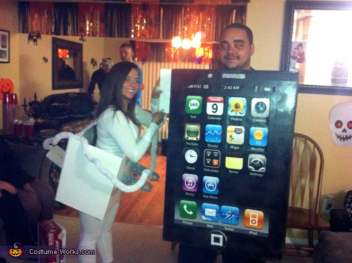 iPhone and the Charger Couple Costume