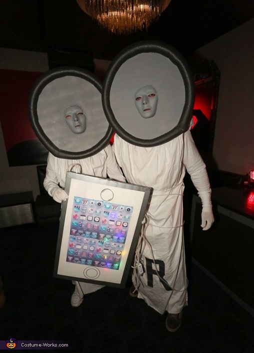iPod & Earbuds Costume